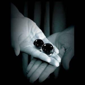 venušine guličky čierne sklenené