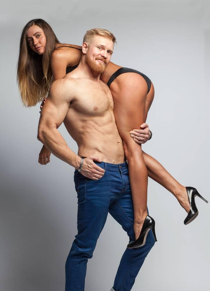 alfa samec mladý muž a žena
