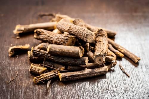Sladké drievko - Sladovka hladkoplodá, lékořice - koreň